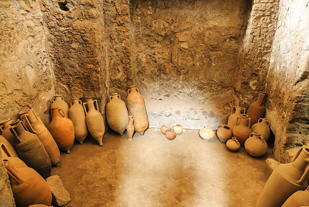Amphorae, House of the Cryptoporticus, Roman ruins of Pompeii, UNESCO World Heritage Site, near Naples, Campania, Italy, Europe