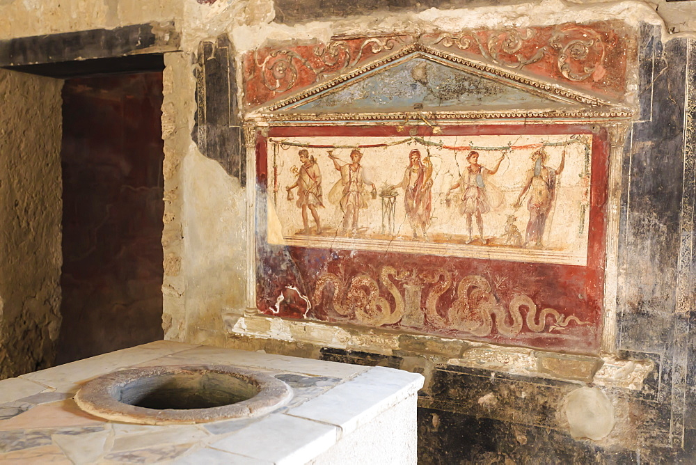 Stuccoed and frescoed lararium, Thermopolium of Vetutius Placidus, Pompeii, UNESCO World Heritage Site, Campania, Italy, Europe