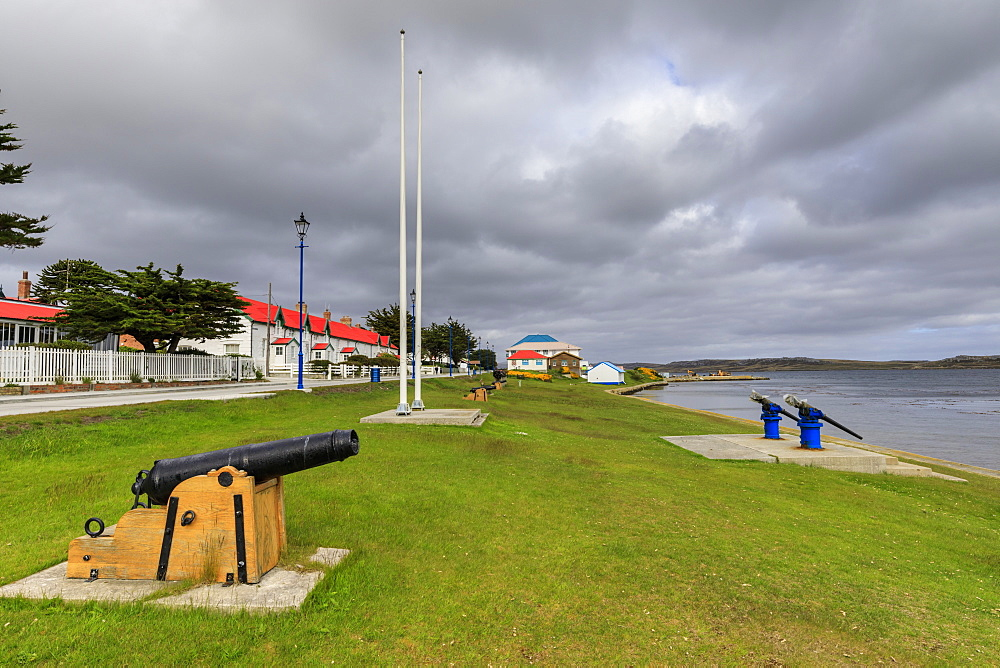 Attractive Victory Green, traditional houses, waterfront, Stanley, Port Stanley, East Falkland, Falkland Islands, South America - 1167-1825