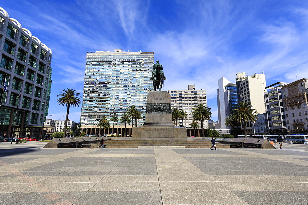 Artigas Mausoleum, Plaza Independencia, Centro, Montevideo, Uruguay, South America
