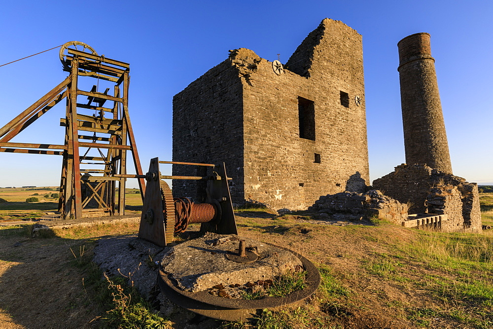 Cornish Engine House and Winding Gear, Magpie Mine, historic lead mine, National Monument, Peak District, Derbyshire, England, United Kingdom, Europe