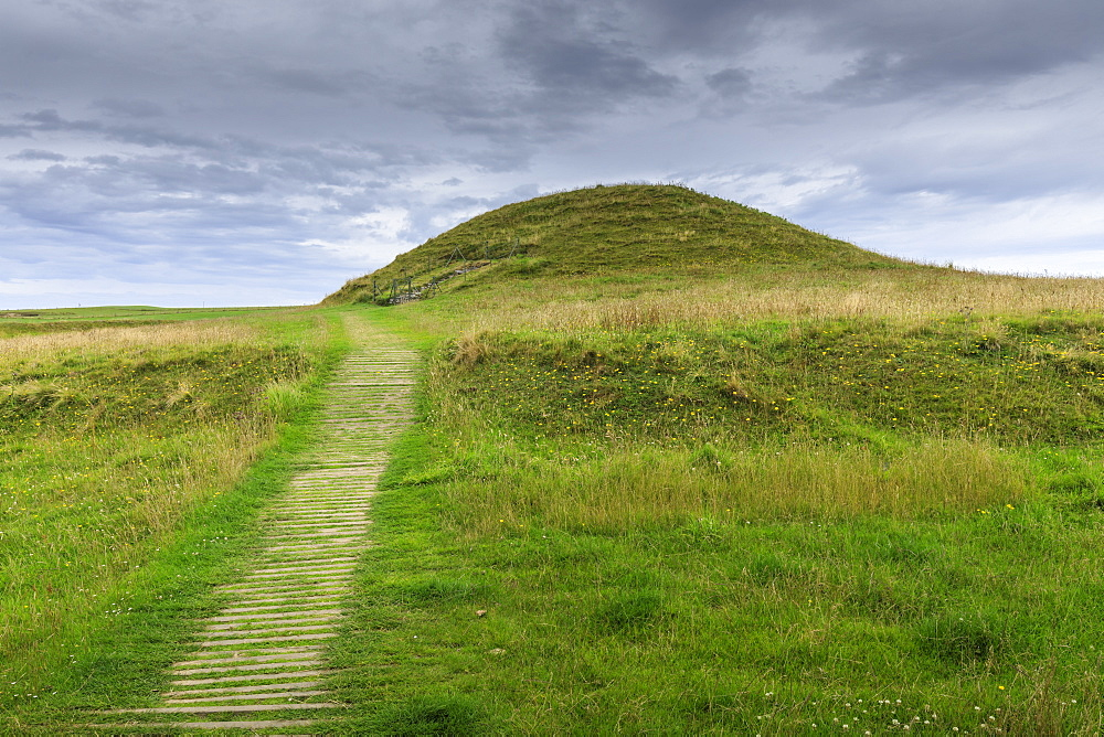 Maeshowe, Stone Age chambered tomb, 5000 years old, Neolithic building, UNESCO World Heritage Site, Orkney Islands, Scotland