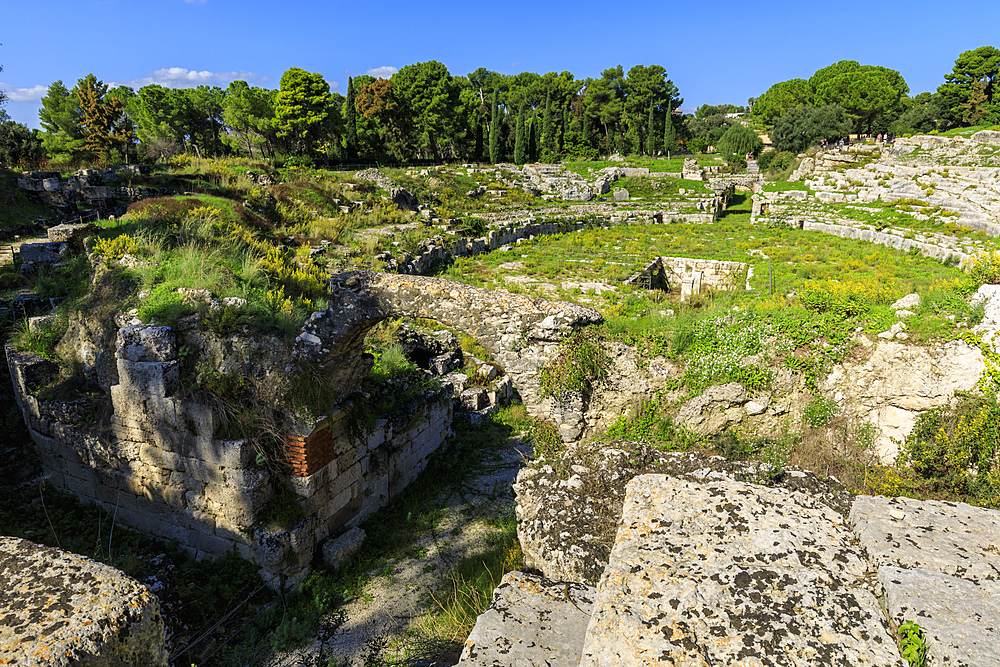 Roman Amphitheatre at Syracuse (Siracusa), UNESCO World Heritage Site, Sicily, Italy, Europe