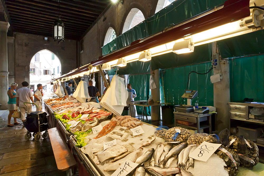 Fish stall, Pescheria, Rialto Markets, San Polo, Venice, UNESCO World Heritage Site, Veneto, Italy, Europe