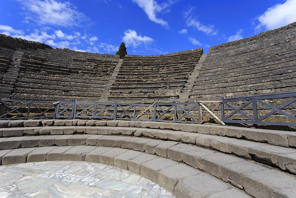 Small Theatre, Roman ruins of Pompeii, UNESCO World Heritage Site, Campania, Italy, Europe