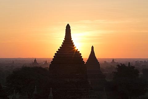 Temples, Bagan (Pagan), Myanmar (Burma), Asia - 1170-123