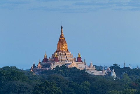 Ananda Temple at dawn, Bagan (Pagan), Myanmar (Burma), Asia - 1170-136