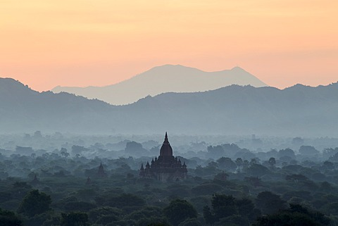 Temple in early morning mist at dawn, Bagan (Pagan), Myanmar (Burma), Asia - 1170-137