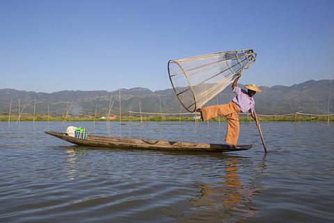 Intha leg rowing fisherman at sunrise, Inle Lake, Nyaung Shwe (Nyaungshwe), Shan State, Myanmar (Burma), Asia - 1170-142