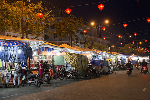 Shops at the Ninh Kieu night market, Can Tho, Mekong Delta, Vietnam, Indochina, Southeast Asia, Asia