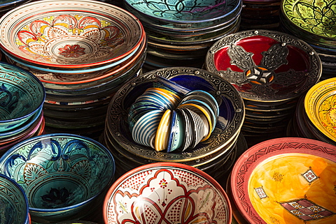 Colourful bowls in the old souk, Old Medina, Marrakesh (Marrakech), Morocco, North Africa - 1170-208
