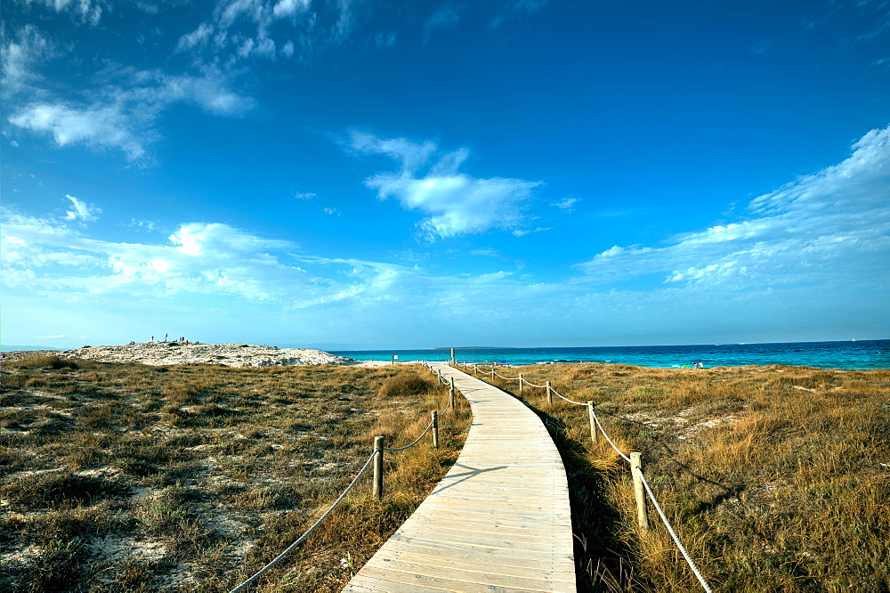 Boardwalk leading towards the horizon and Infinity Beach on Formentera, Balearic Islands, Spain, Mediterranean, Europe - 1171-202