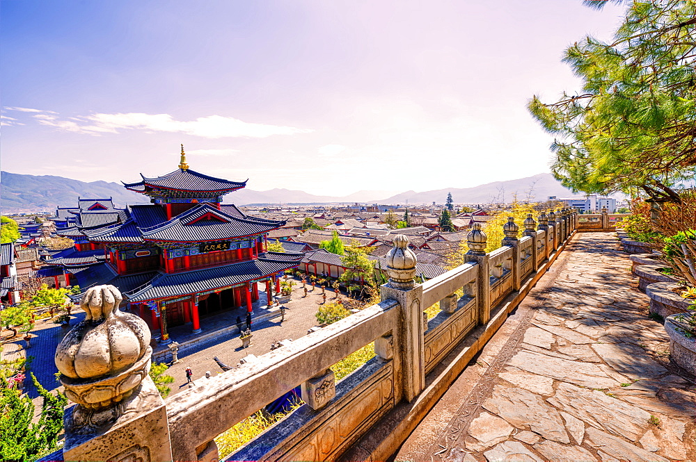 Mufu with surrounding Old Town, UNESCO World Heritage Site, as seen from a raised vantage point, Lijiang, Yunnan, China, Asia