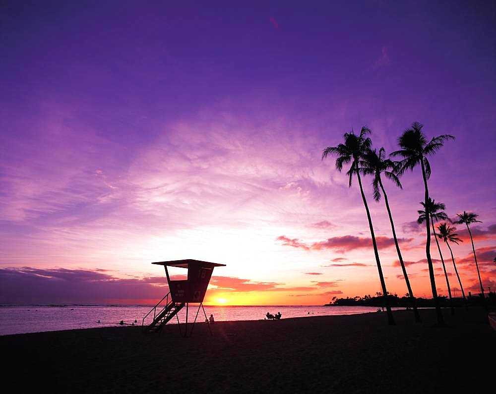 Sunset at Ala Moana beach, Hawaii