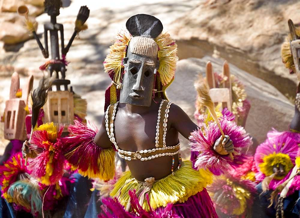 Dogon Dance, Tireli