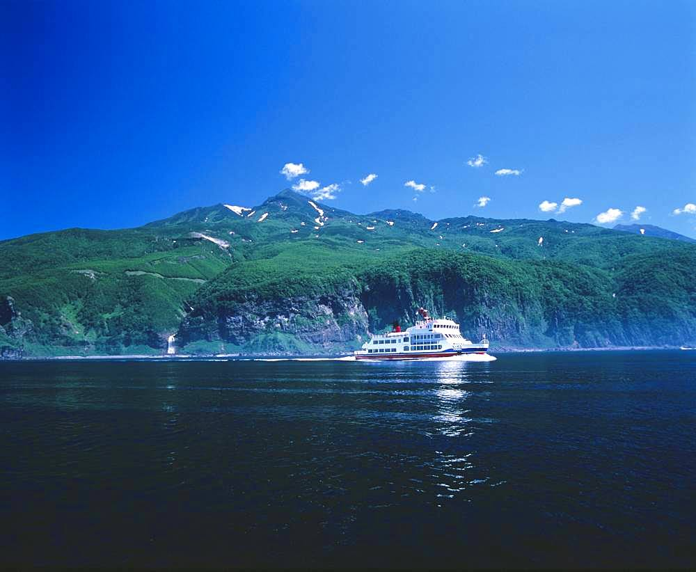 Sightseeing Ferry, Shiretoko Mountain Range, Hokkaido, Japan