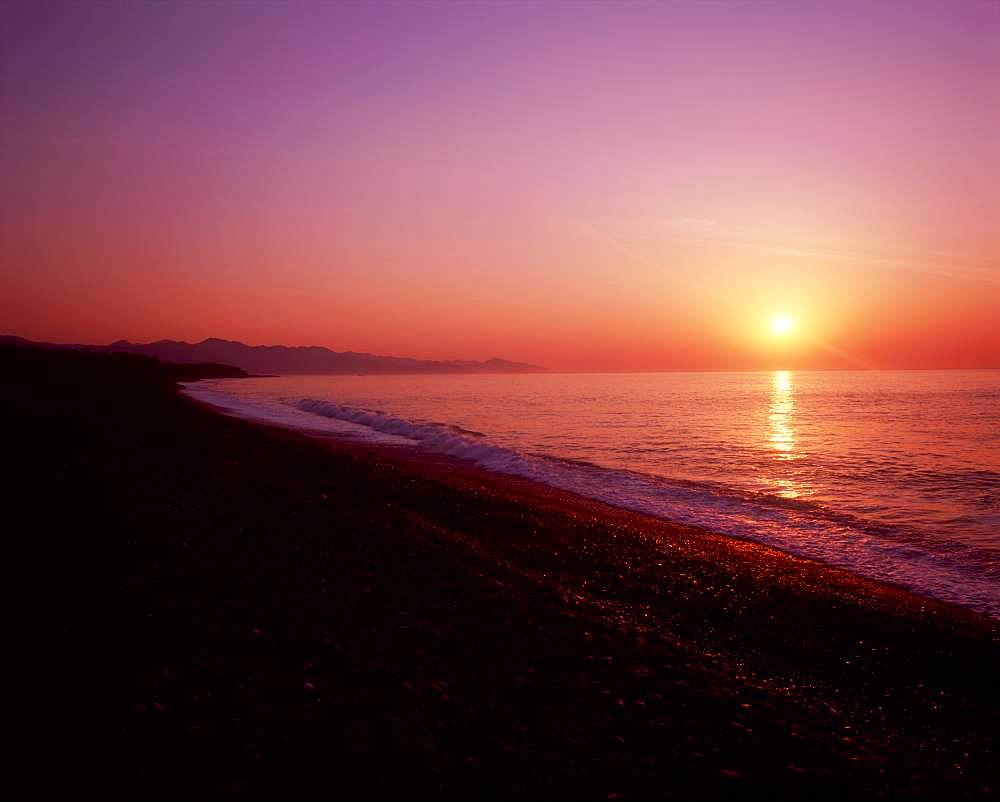 The Rising Sun of Shichirimihama Beach, Mie, Japan