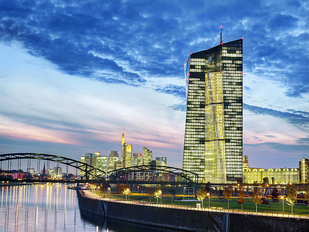 The European Central Bank by night, Frankfurt am Main, Germany