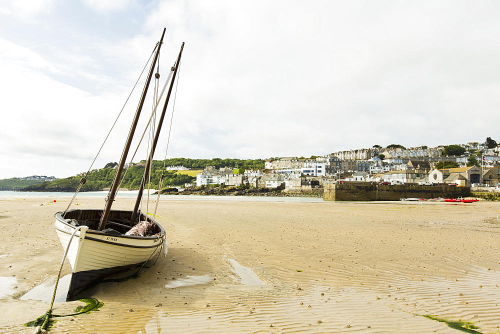 A boat at low tide at St. Ives (Cornwall, England)