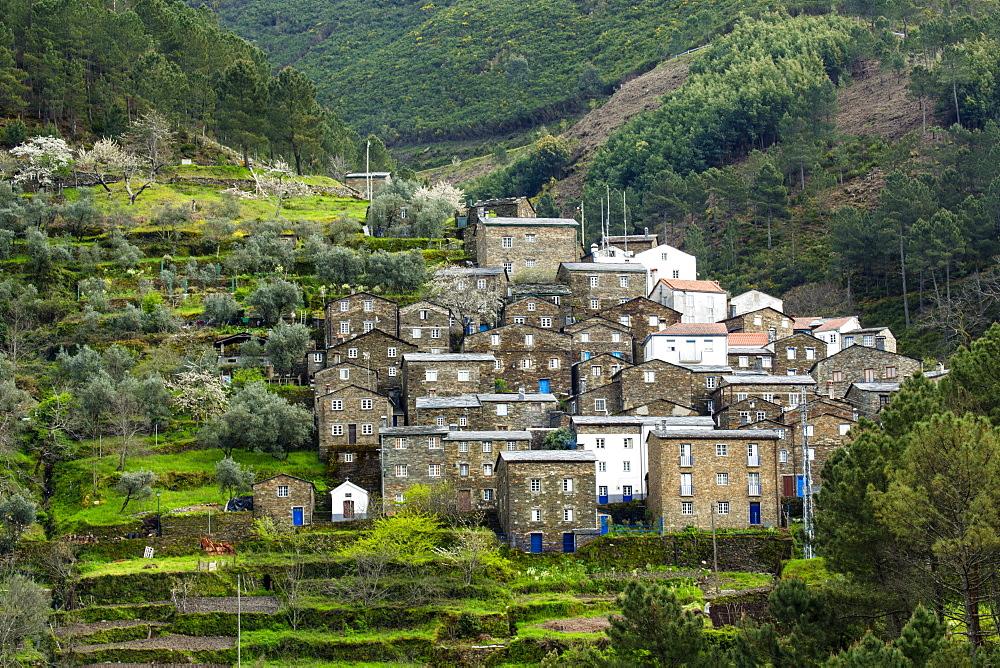 The medieval village of Piodao in the Serra da Estrela mountains, Piodao, Coimbra District, Beira, Portugal, Europe
