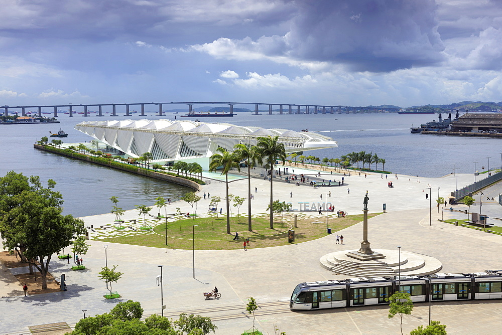 The Museum of Tomorrow, architect Santiago Calatrava, Porto Maravilha area and Niteroi Bridge with the VLT tram in the foreground, Rio city centre, Rio de Janeiro, Brazil, South America  - 1176-703