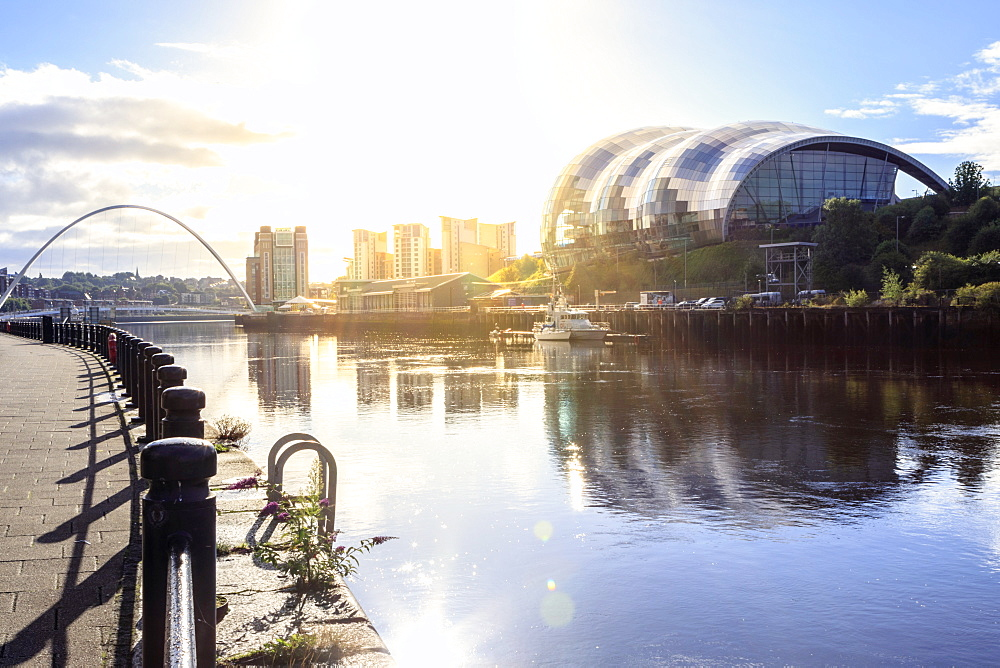 The Sage Arts Centre, Millennium Bridge and Tyne river, Gateshead, Newcastle-upon Tyne, Tyne and Wear, England, United Kingdom, Europe - 1176-812