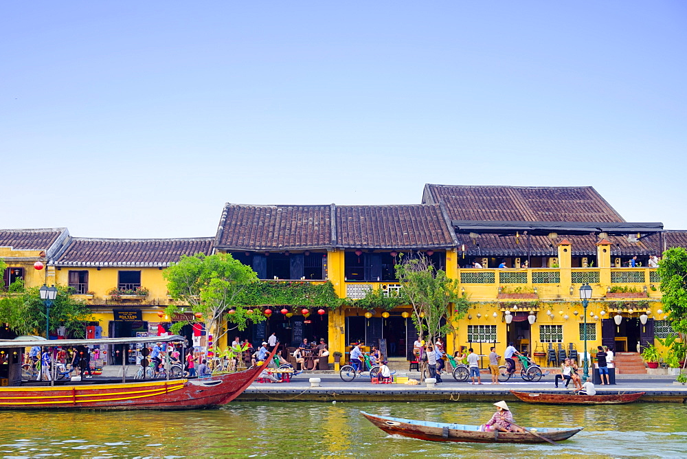 Houses and the river in the historic centre of Hoi An, UNESCO World Heritage Site, Quang Nam, Vietnam, Indochina, Southeast Asia, Asia - 1176-857
