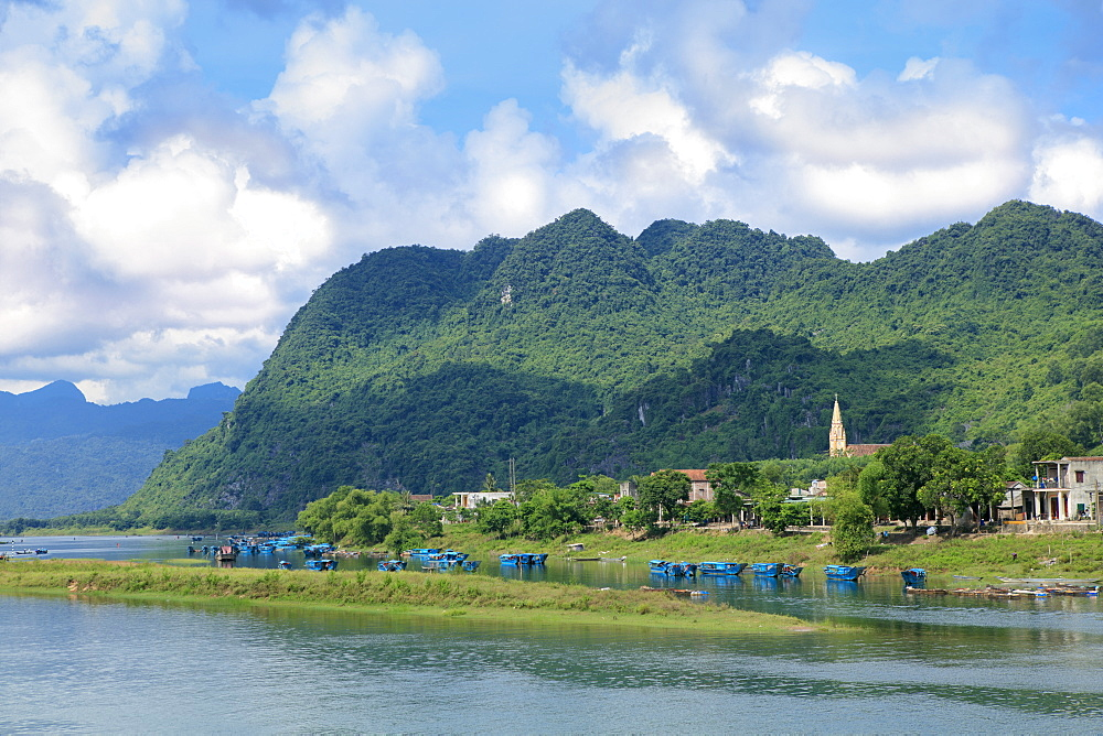 Son River and Catholic Church in the Phong Nha Ke Bang National Park, Quang Binh, Vietnam, Indochina, Southeast Asia, Asia - 1176-862