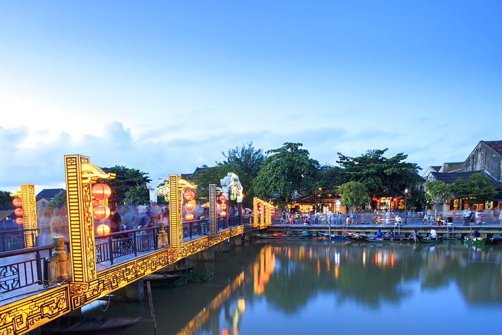 The Lantern Bridge over the Thu Bon River in the historic centre, Hoi An, UNESCO World Heritage Site, Vietnam, Indochina, Southeast Asia, Asia - 1176-869