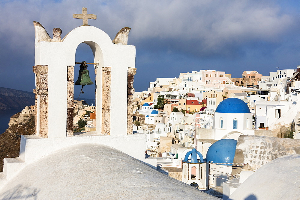 The white of the church and houses and the blue of Aegean Sea as symbols of Greece, Oia, Santorini, Cyclades, Greek Islands, Greece, Europe