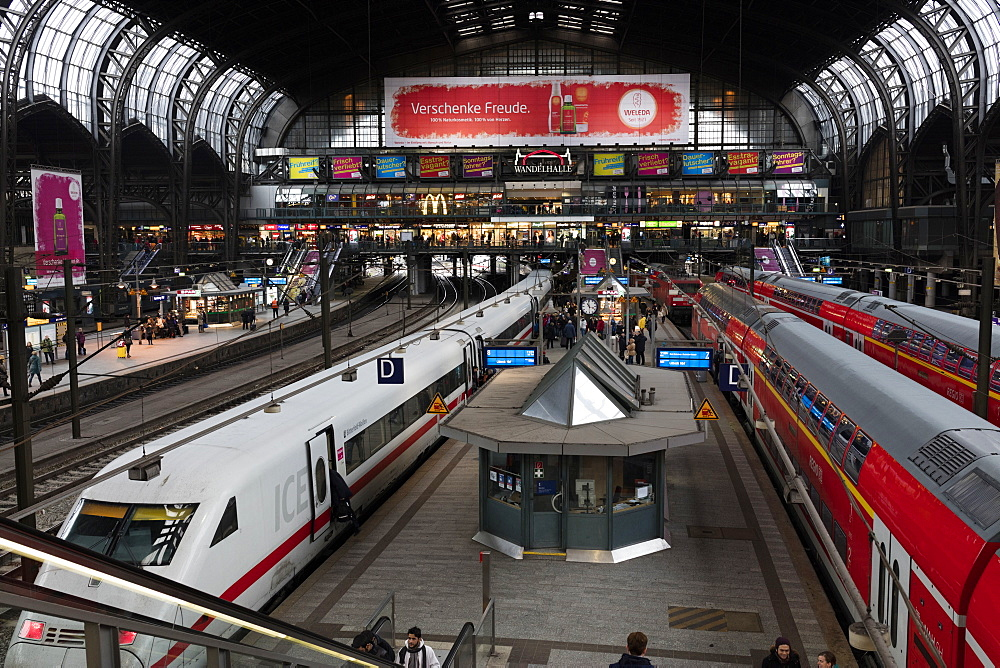 View of the Central Railway Station of Hamburg, the major transportation hub of the city and the busiest in Germany, Hamburg, Germany, Europe