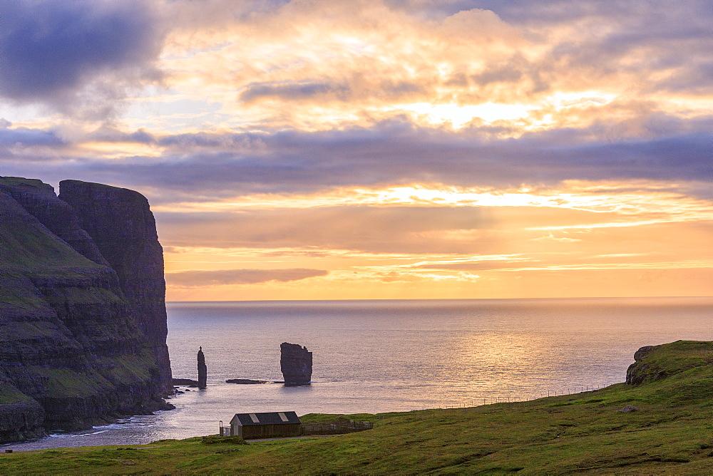 Risin og Kellingin seen from Eidi, Eysturoy Island, Faroe Islands, Denmark, Europe