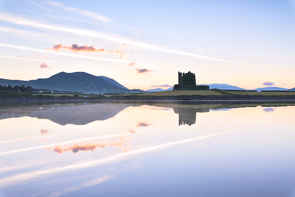 Ballycarbery Castle by the sea, Cahersiveen, County Kerry, Munster, Republic of Ireland, Europe