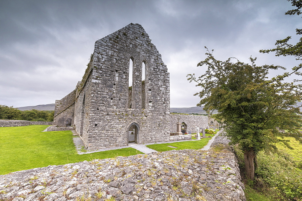 Corcomroe Abbey, The Burren, County Clare, Munster, Republic of Ireland, Europe