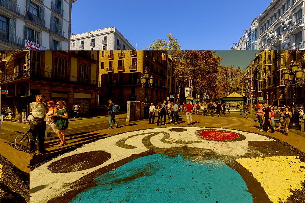 Tourists along La Rambla, Barcelona, Catalonia, Spain, Europe