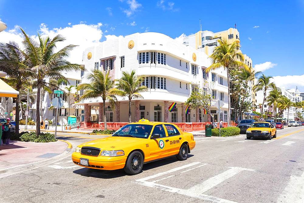 Yellow taxi cab, Ocean Drive, Miami Beach, Florida, United States of America, North America