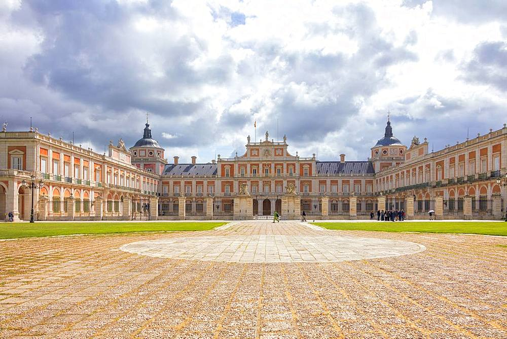 Front view of the Royal Palace, (Palacio Real), Aranjuez, Community of Madrid, Spain