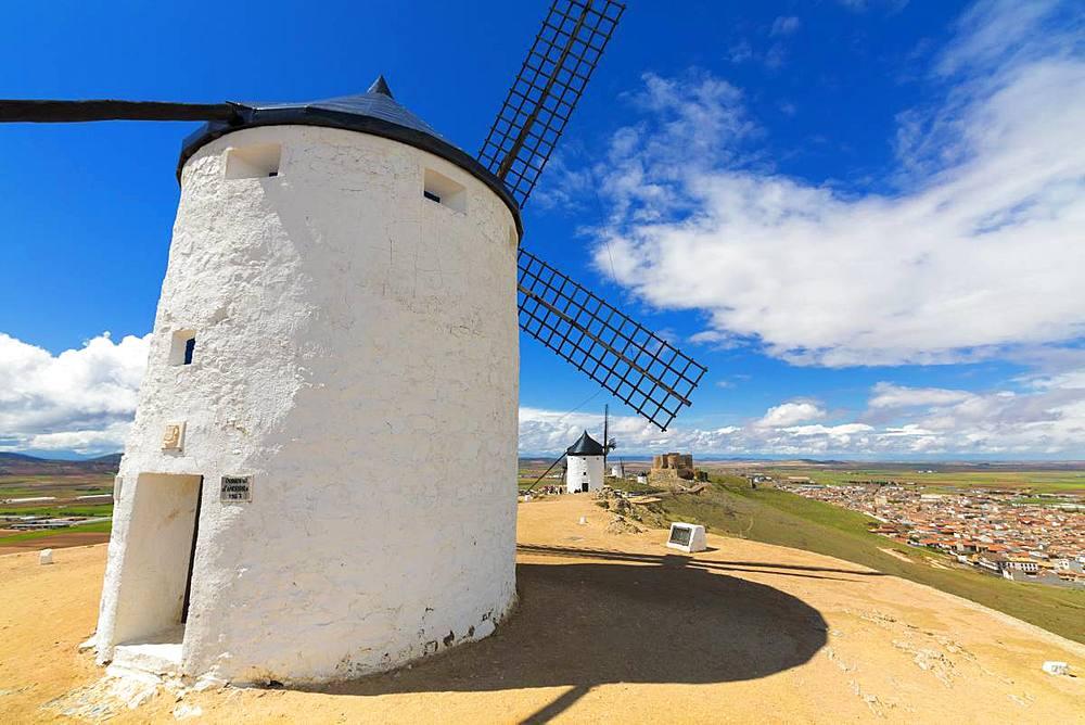 Windmills of Consuegra, Don Quixote route, Toledo province, Castilla-La Mancha (New Castile) region, Spain, Europe - 1179-3403