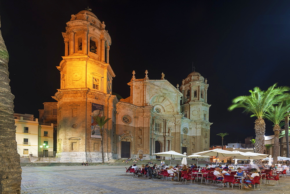 Tourists at restaurants in front of Santa Cruz Cathedral, Plaza Catedral, Cadiz, Andalusia, Spain - 1179-3810