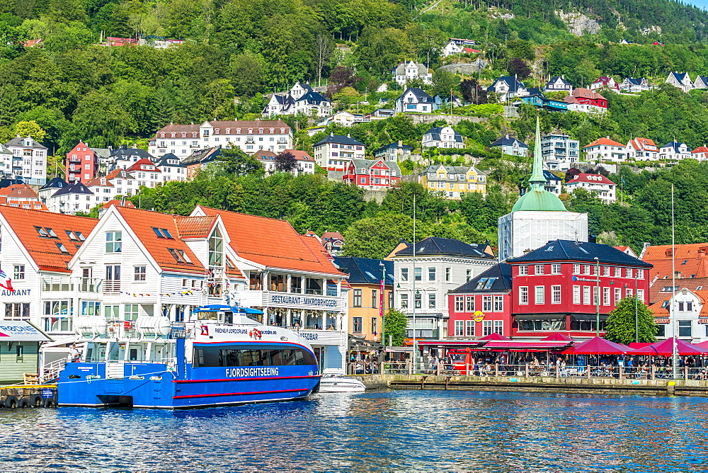 Tourist ferry moored in the harbour in the city centre of Bergen, Hordaland County, Western Fjords region, Norway, Scandinavia, Europe - 1179-4107