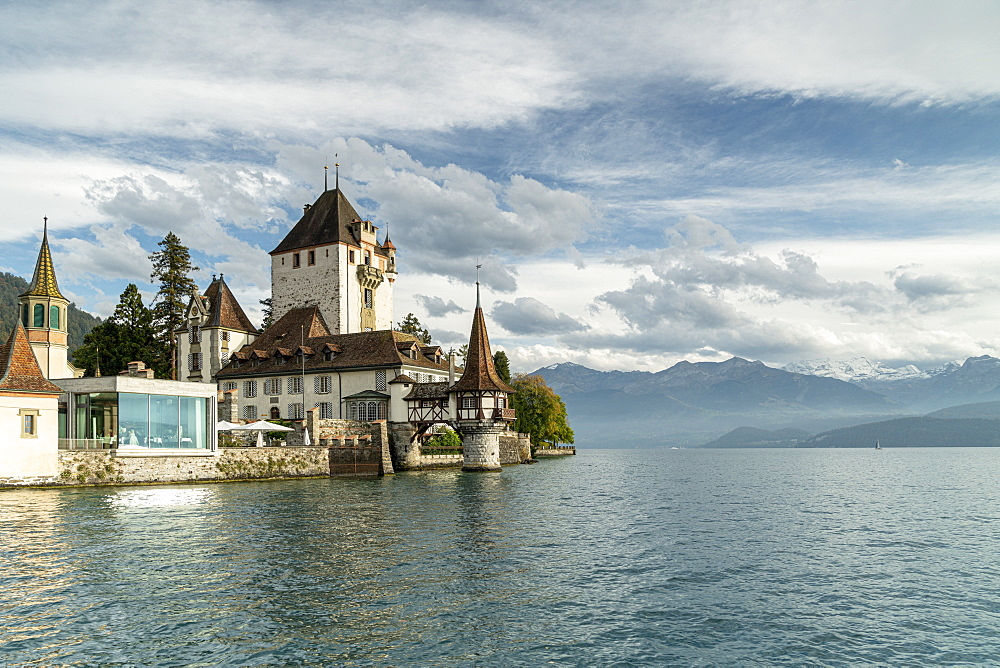 Oberhofen Castle and Lake Thun, Canton of Bern, Switzerland, Europe