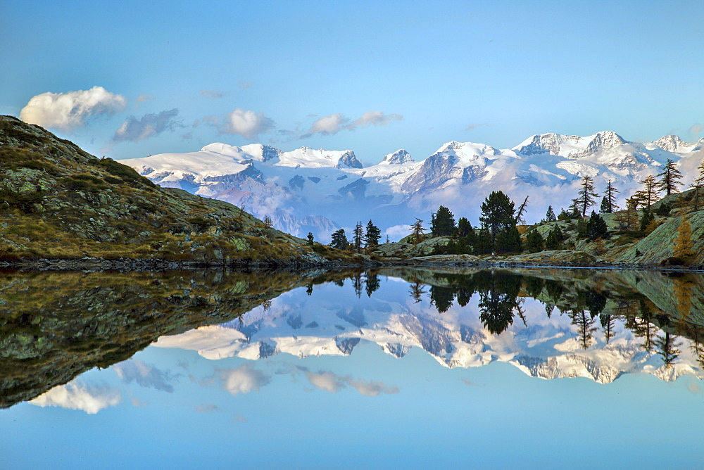 Sunrise on Mount Rosa seen from Lac Blanc, Natural Park of Mont Avic, Aosta Valley, Graian Alps, Italy, Europe - 1179-478
