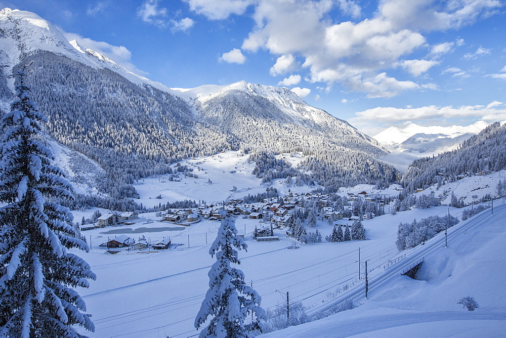 The snowy village of Filisur, Canton of Grisons (Graubunden), Switzerland, Europe