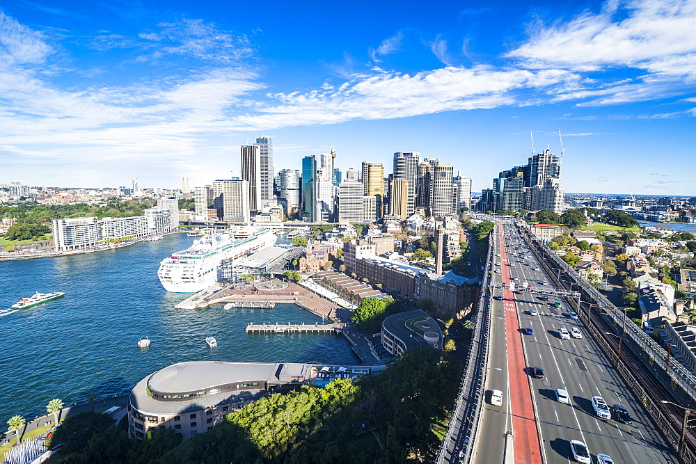 Overlook over Sydney from the harbour bridge, Sydney, New South Wales, Australia