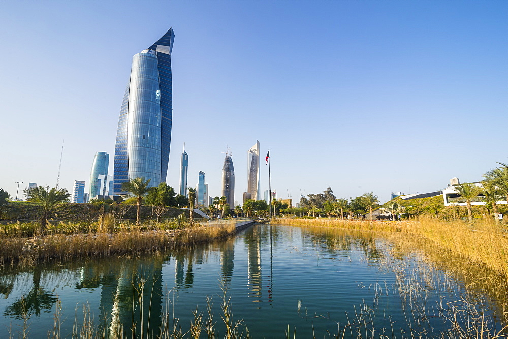 Al Hamra tower and the Al Shaheed Park, Kuwait City, Kuwait, Middle East