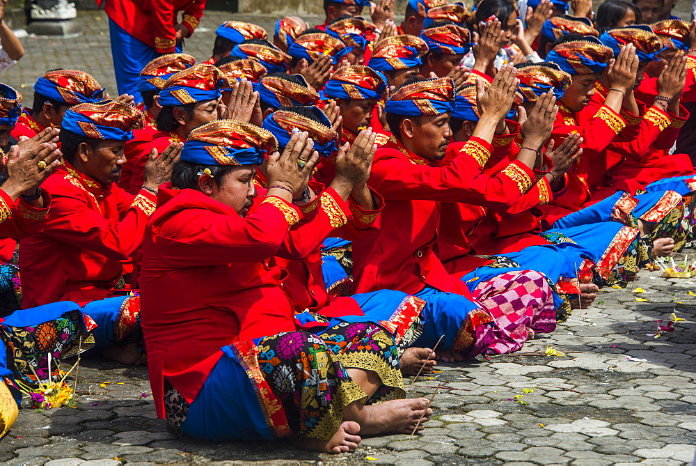 Pilgrims praying in the Pura Ulun Danu Bratan temple, Bali, Indonesia