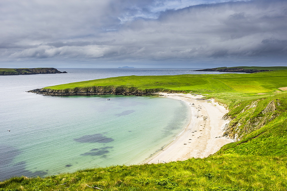 White sand beach near Scousburgh, Shetland Islands, Scotland, United Kingdom, Europe
