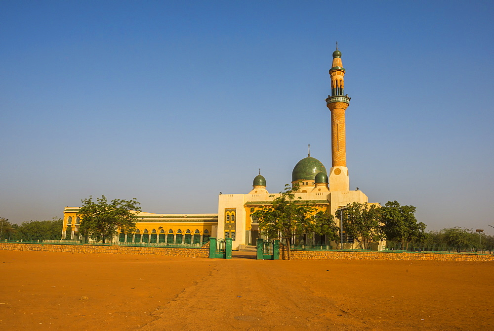 Grand Mosque of Niamey, built with funds from Libya, Niamey, Niger, Africa