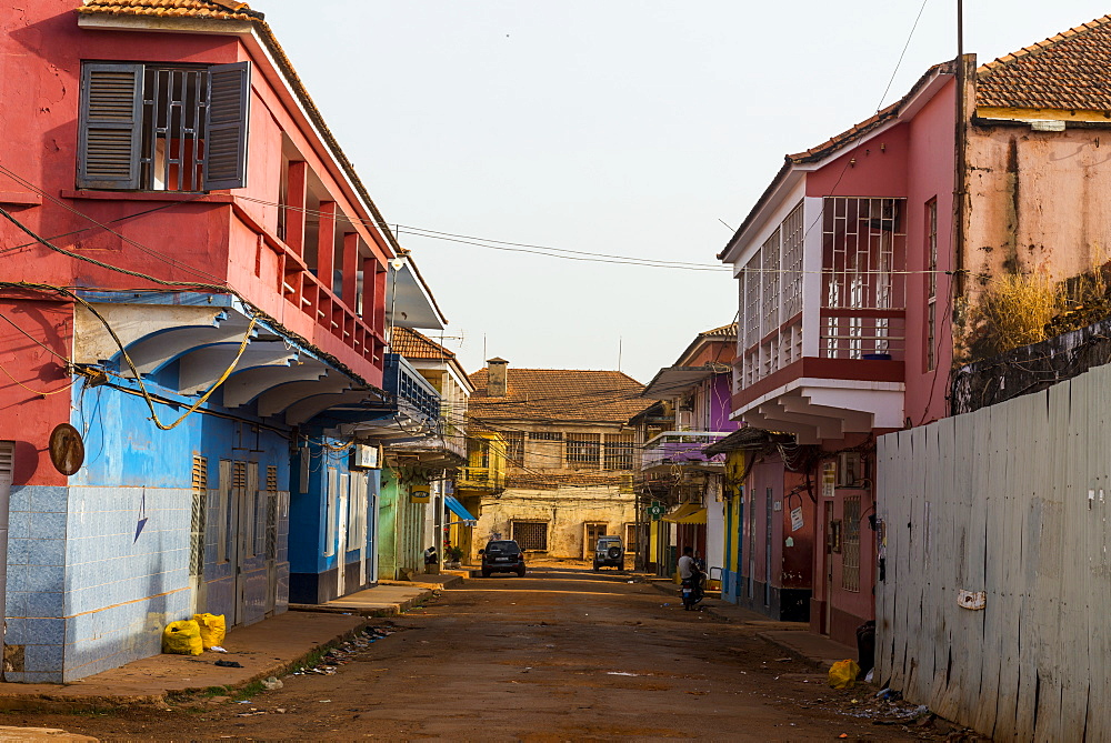 Old decaying Portuguese architecture, Bissau, Guinea Bissau, West Africa, Africa