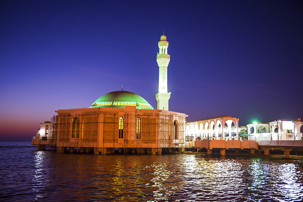 Night shot of the floating mosque, Jeddah, Saudi Arabia, Middle East